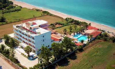 149€ από 300€, για τέσσερις ημέρες (3 νύχτες), για δύο άτομα σε δίκλινο δωμάτιο με πλούσιο πρωινό & μεσημεριανό ή βραδινό γεύμα, στο πλήρως ανακαινισμένο ξενοδοχείο Poseidon Beach Hotel, 10 μόλις μέτρα από τα υπέροχα νερά του Ιονίου Πελάγους στην Πρέβεζα.